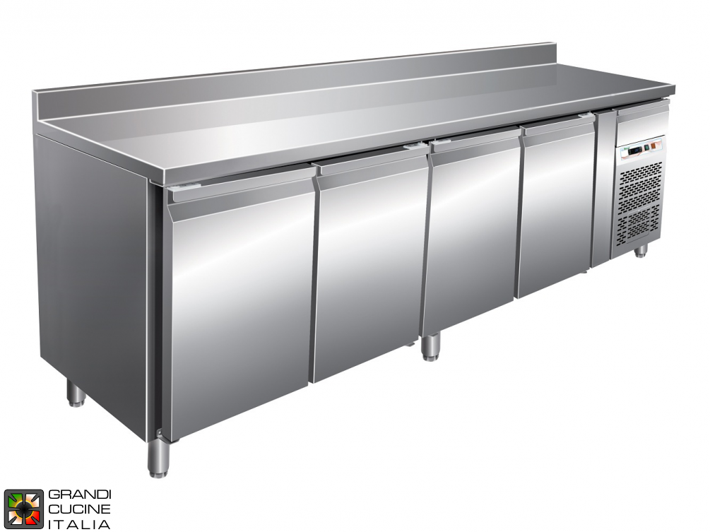 Refrigerated counter GN1/1 with ventilated refrigeration with Backsplash - Range -18 / -22