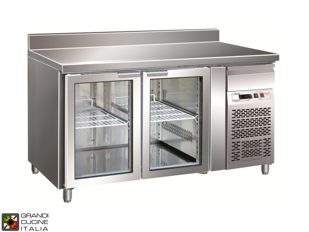 Refrigerated counter GN1/1 with ventilated refrigeration with Backsplash - Glass Door - Range -2 / +8