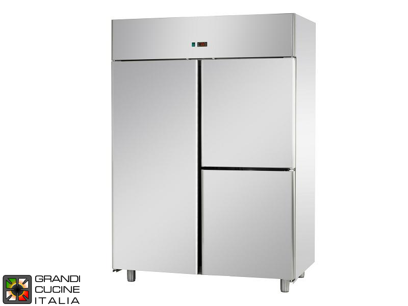 Refrigerated Cabinet - 1200 Liters - Temperature 0 / +10 °C - Three Doors - Ventilated Refrigeration