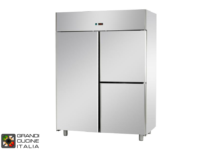 Refrigerated Cabinet - 1400 Liters - Temperature 0 / +10 °C - Three Doors - Ventilated Refrigeration