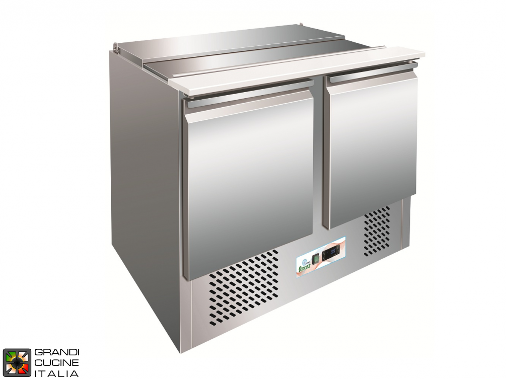 Refrigerated Saladette - GN 1/1 - Condiments Holder Capacity 3x GN 1/1 - Temperature +2°C / +8°C - Two Doors - Bottom Engine compartment - Smooth worktop - Static Refrigeration