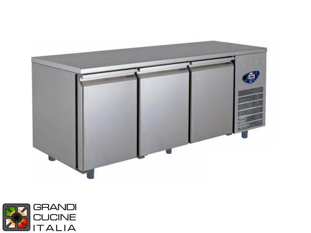 Refrigerated Counter - Depth 60 Cm - Temperature -2°C / +8°C - Three Doors - Engine compartment on the Right - Smooth Worktop - Ventilated Refrigeration